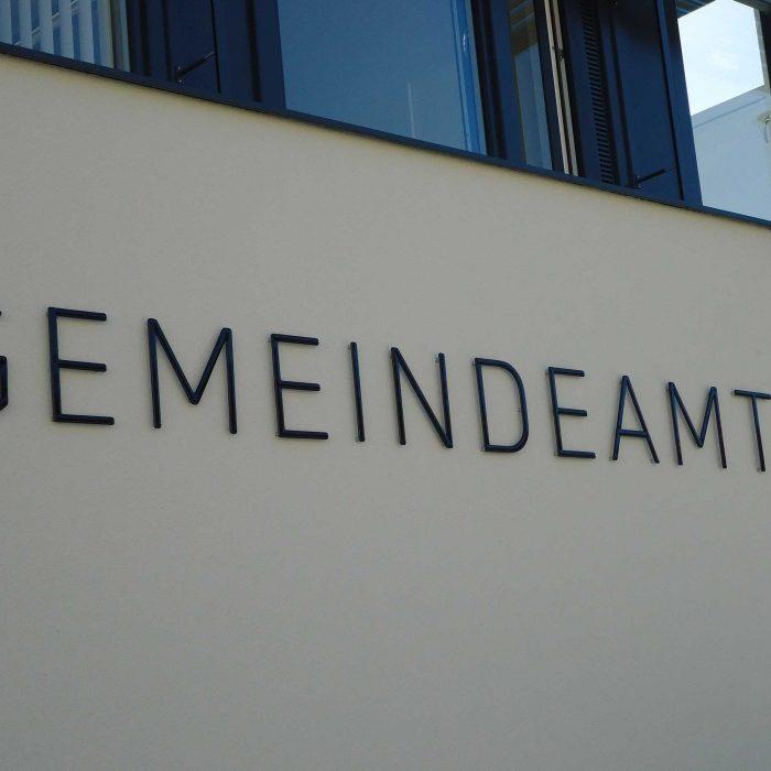 Gemeindeamt Inzersdorf Glasbeschriftung und Wappen 5