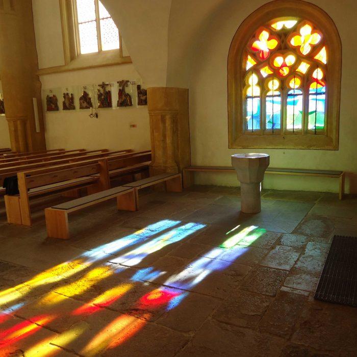 Kirchenfenster Renovierung     Tabernakel     Taufbecken     Restaurierung